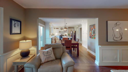 1475-Greenbriar-Rd-Oakville-ON-L6M-1Z6-Kitchen-Living-Room(1)